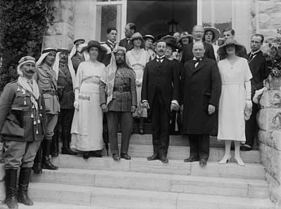 Jordan Photograph - Mr. And Mrs. Winston Churchill by Everett