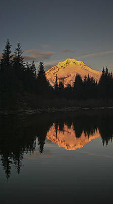Mt Hood Alpenglow II Art Print