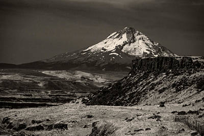 Photograph - Mt Hood From Se Washington by Mick Anderson
