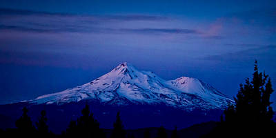 Mt Shasta At Sunrise Art Print