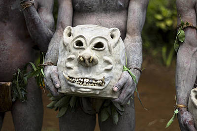 Mudman Photograph - Mudman Mask In Papua New Guinea by Polly Rusyn
