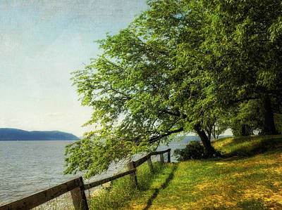 Photograph - Mulberry On The Hudson Paint by Marianne Campolongo