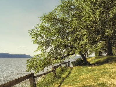 Photograph - Mulberry On The Hudson Vintage by Marianne Campolongo