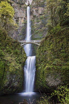 Photograph - Multnomah Fallsnear Portland by John McGraw