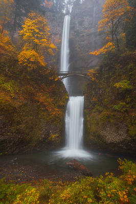 Multnomah Falls Waterfall Photograph - Multnomah Mist by Darren  White