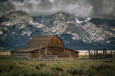 Photograph - Multon Barn by Edgars Erglis