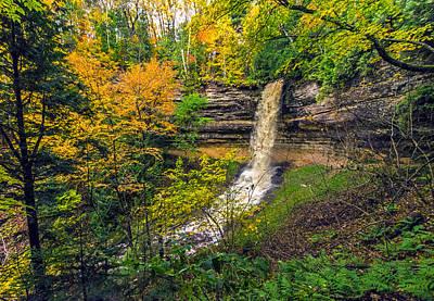 Photograph - Munising Falls by Lonnie Paulson