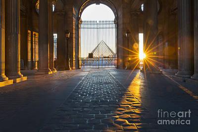 Photograph - Musee Du Louvre Starburst by Brian Jannsen