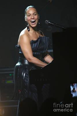 Musician Alicia Keys Art Print by Concert Photos