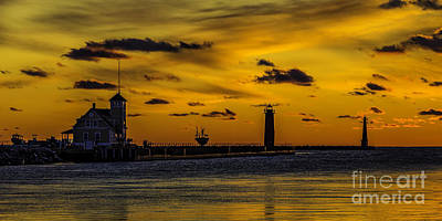 Muskegon Lighthouse Wall Art - Photograph - Muskegon Channel Sunset by Nick Zelinsky
