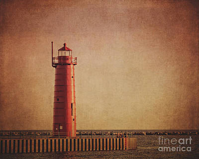 Muskegon Lighthouse Wall Art - Photograph - Muskegon Lighthouse At Dusk by Emily Kay