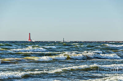 Photograph - Muskegon South Breakwater Light by Sue Smith