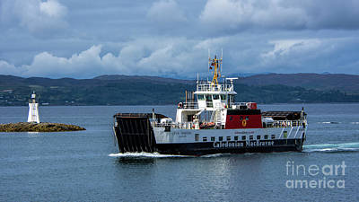 Photograph - Mv Loch Bhrusda by Chris Thaxter