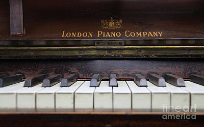 Photograph - My Old Piano by Tom Conway