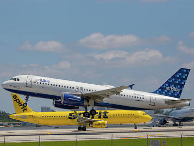 Photograph - N559jb Jetblue Over Spirit by Dart and Suze Humeston