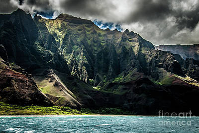Photograph - Na Pali Coast Cathedral Peaks #13 by Blake Webster
