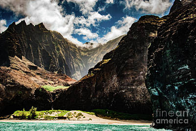 Photograph - Na Pali Coast Cathedral Peaks #2 by Blake Webster