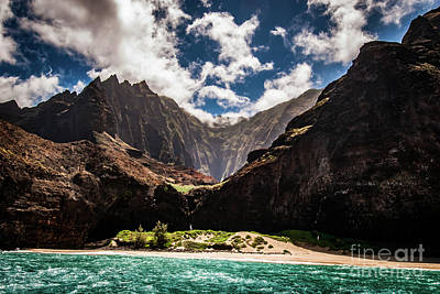 Photograph - Na Pali Coast Cathedral Peaks #3 by Blake Webster