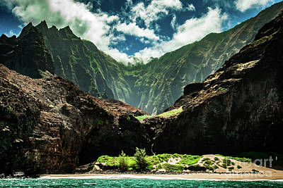 Photograph - Na Pali Coast Cathedral Peaks #4 by Blake Webster