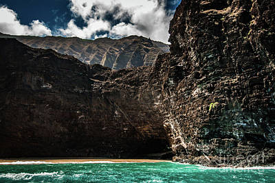 Photograph - Na Pali Coast Cathedral Peaks #5 by Blake Webster