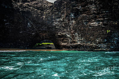 Photograph - Na Pali Coast Cathedral Peaks #6 by Blake Webster