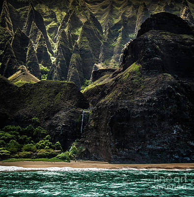 Photograph - Na Pali Coast Cathedral Peaks #8 by Blake Webster
