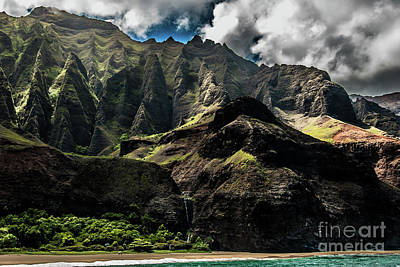 Photograph - Na Pali Coast Cathedral Peaks #9 by Blake Webster