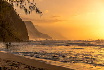 Photograph - Na Pali Coast Sunset by Tex Wantsmore