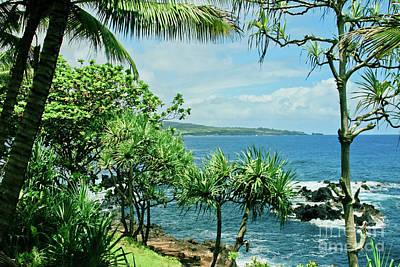 Paradise Road Photograph - Nahiku Kaelua Hanawi Honolulunui Maui Hawaii by Sharon Mau
