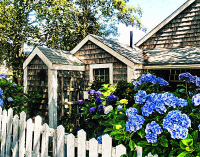 Hydrangea Photograph - Nantucket Cottage No.1 by Tammy Wetzel