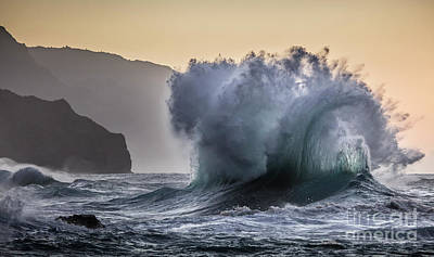 Photograph - Napali Coast Kauai Wave Explosion by Dustin K Ryan