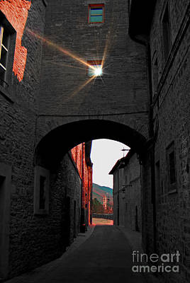 Photograph - Narrow Street In Assisi, Italy by Al Bourassa