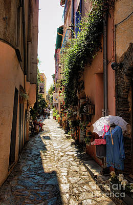Photograph - Narrow Streets Of Collioure France V by Chuck Kuhn