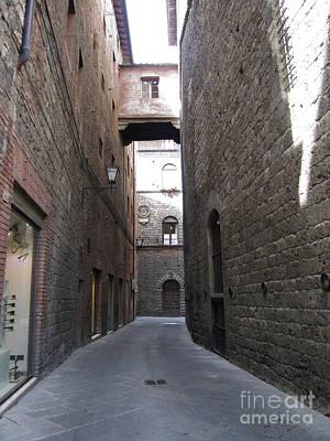 Chianti Hills Digital Art - Narrow Walkways In Siena by Linda Ryan