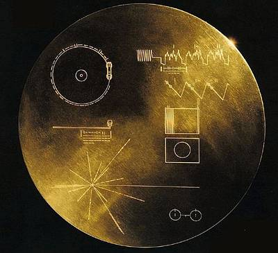 Nasas Voyager 1 And 2 Spacecraft Art Print by Everett