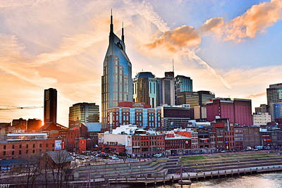 Nashville Sign Photograph - Nashville Skyline At Sunset by Lisa Wooten