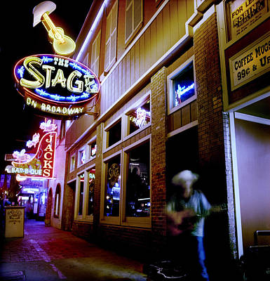 Nashville Tennessee Photograph - Nashville Street Musician by Todd Fox