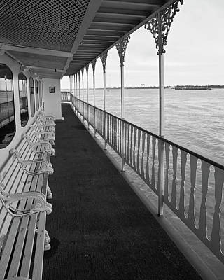 Photograph - Natchez Promenade by Ray Devlin