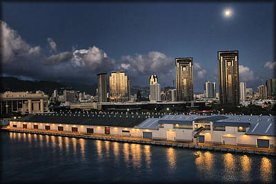 Photograph - Ncl Port Of Honolulu by Linda Tiepelman