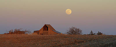 Photograph - Nebraska Moon by Thomas Bomstad