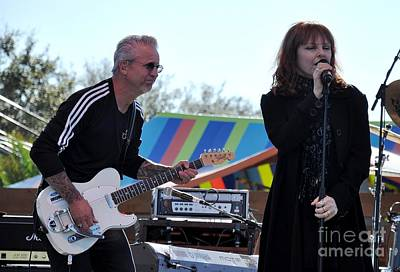 Neil Giraldo And Pat Benatar Art Print by John Black