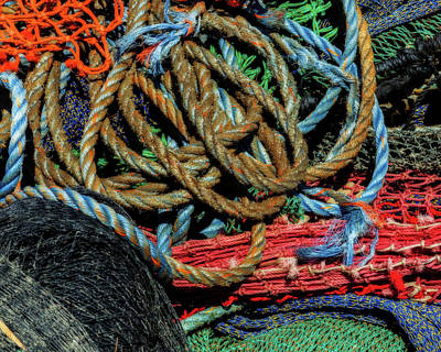 Abstract Photograph - Nets And Ropes Horizontal #4 by Barbara Northrup