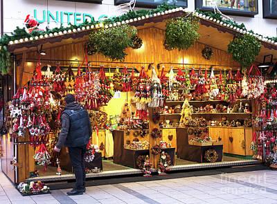 Photograph - Neuhauser Weihnachtsmarkt Munich by John Rizzuto