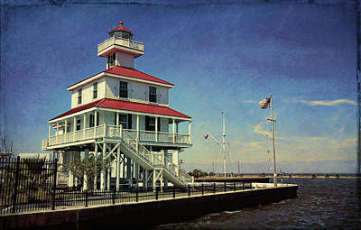 Photograph - New Canal Lighthouse Vintage by Judy Vincent