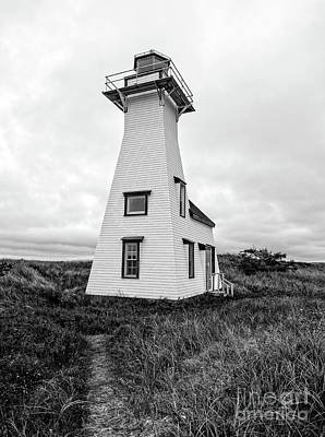 Photograph - New London Light Prince Edward Island by Edward Fielding