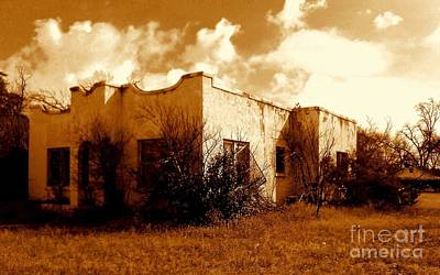 Photograph - El Paso  Abandoned In Texas by Michael Hoard