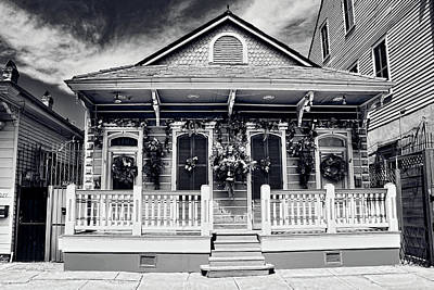 Photograph - New Orleans House Bw3159 by Carlos Diaz