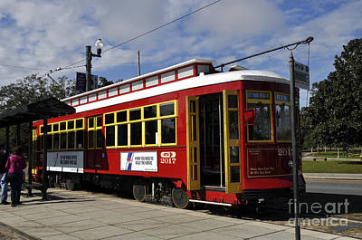 Photograph - New Orleans Street Car by Andrew Dinh