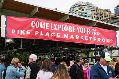 Photograph - New Pike Place Market Front by Tom Cochran