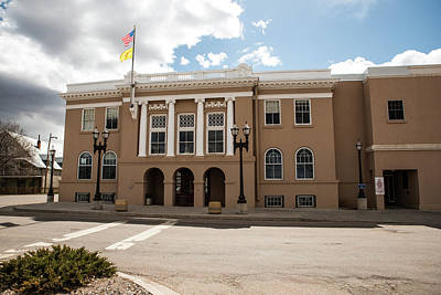 Photograph - New Ta Courthouse by Tom Cochran
